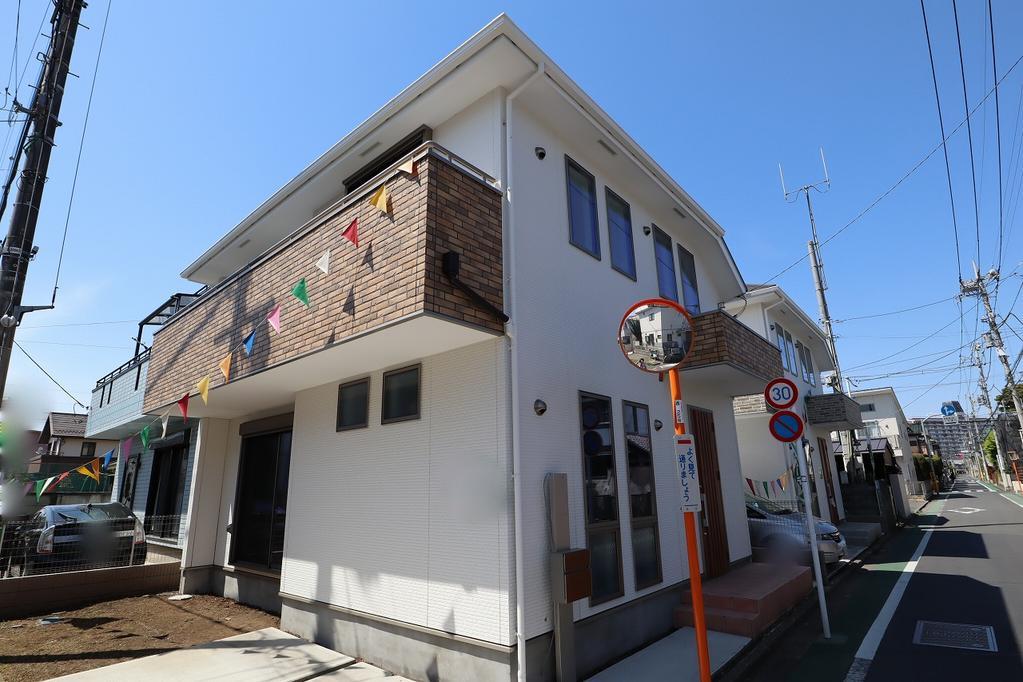 東南角地・平成30年5月築(未入居物件)・デザイナーズハウス仕様