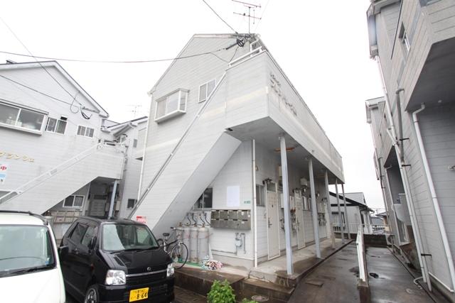 折尾駅 1.0万円