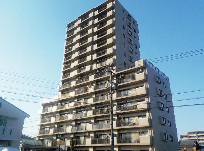 丸美ロイヤル中川原 701