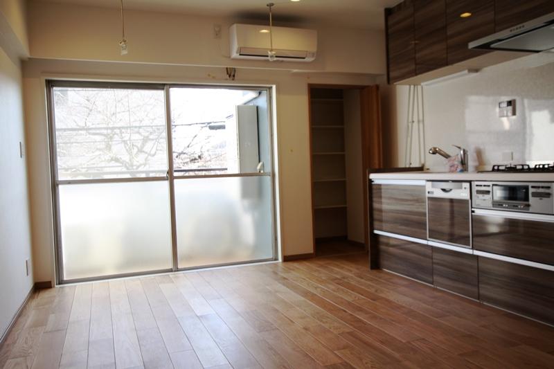 中野フラワーマンション 204号室