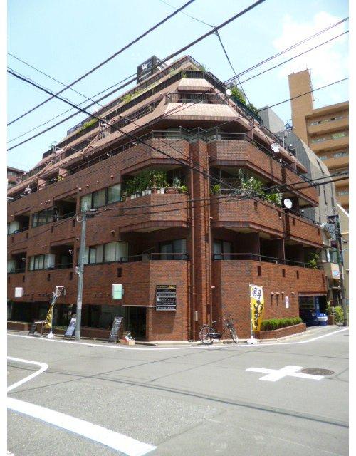 ロイヤルハイツ新宿御苑 3階