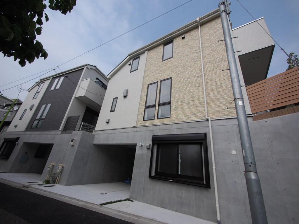 鉄筋コンクリート&木造地震に強い家 重厚感ある新築高級住宅