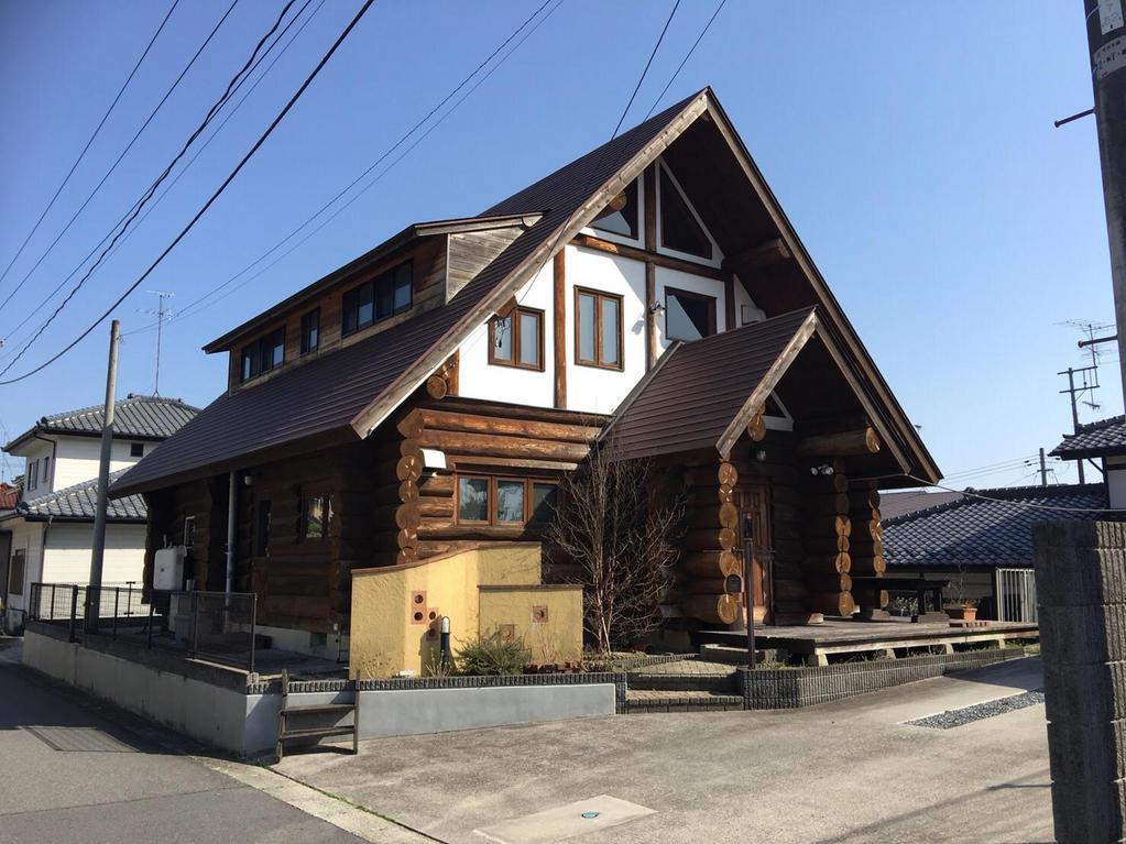 安積町笹川 ログハウス