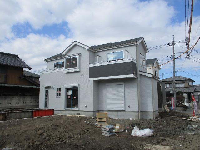 吉川駅徒歩5分 限定2棟 新築戸建